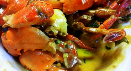 Creamy Butter and Chilli Crabs