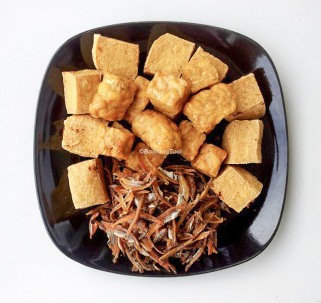 Fried Tempeh Taukwa and Ikan Bilis.