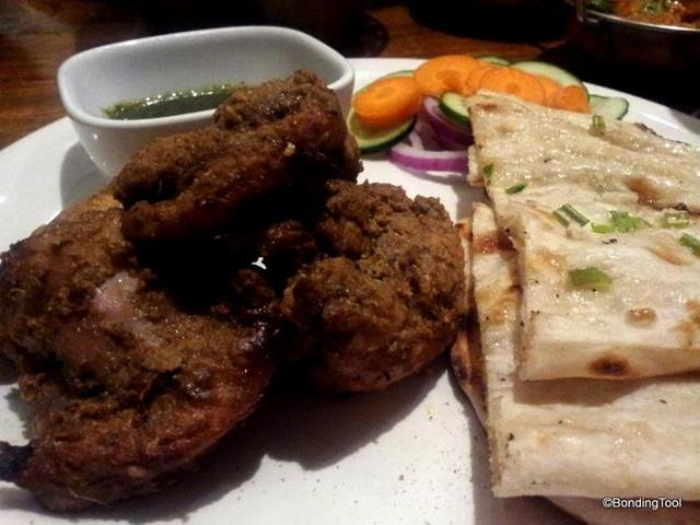 Chicken Tikka and Garlic Naan Red Pepper©BondingTool