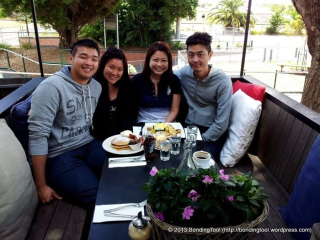 Vany 21 Bday Brekkie at Mart 130©BondingTool