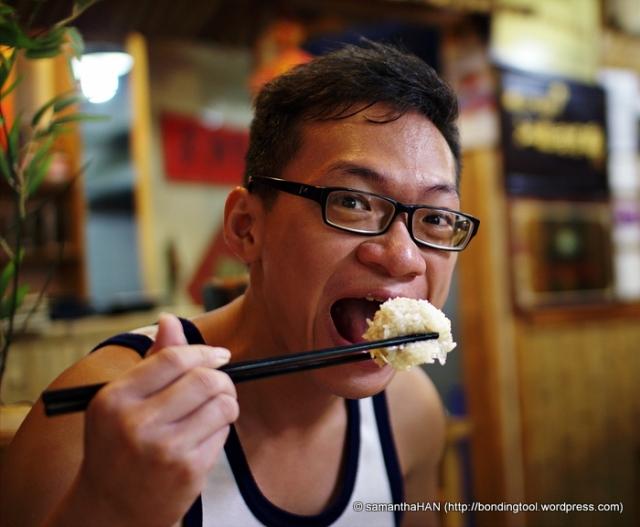 Chi Sao enjoying his pearly ball of treasure.