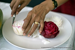 Staining the egdes of the petals create more texture to the rose.