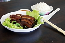 You can eat Dong Po Rou with mantou or rice.