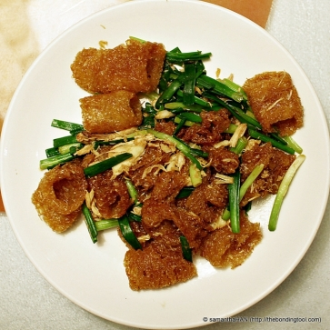 Fried Fish Maw with Crabmeat - Fish maws are sold dried in two forms: deep-fried or non-deep dried. Deep-fried fish maws (in this dish) are puffy, light and looked like a yellow tubular loofah sponge.