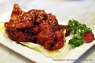 Pork Ribs (Pai Kuat Wong) - crisp outside and tender inside. The sauce had just the right amount of sour and sweet taste.