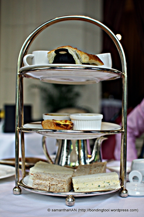 Our 3 tiered came while I was roaming the brasserie.