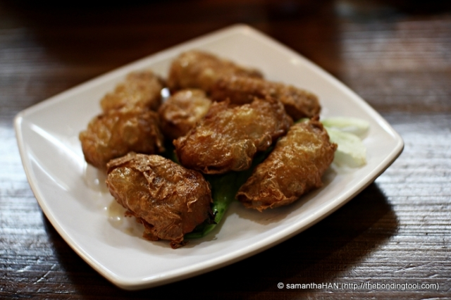 Ngoh Hiang or Meat Rolls - Minced Pork wrapped in Fu Chok (Beanskin) and deep-fried.