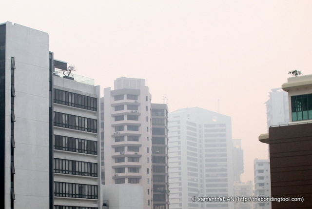 """The haze reading continued to soar through the nite making it dangerously close to 400 at 371 (1pm Singapore time or 5am GMT today 20th June 2013) which would be deemed as """"life threatening"""" to the ill and elderly people according to our NEA guidelines."""