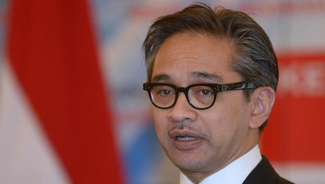 Indonesia's Foreign Affairs Minister Marty Natalegawa has said the Indonesian government will not issue an apology to its Singaporean counterpart for the haze crisis but he insisted that the government would do everything it could to tackle the problem. -- FILE PHOTO: AFP