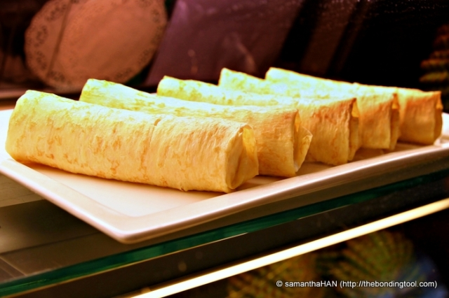 Durian Crepes. Wow! I certainly can imagine the amount of yummy gooeyness inside.