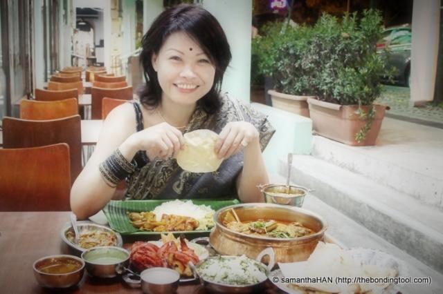 """மகிழ்ந்து உண்ணுங்கள் (magizhnthu unnungal) means பான் ஆப்பீட் (pāṉ āppīṭ) or """"bon appetit"""": French » Tamil. Am I correct? Have a good meal :D"""