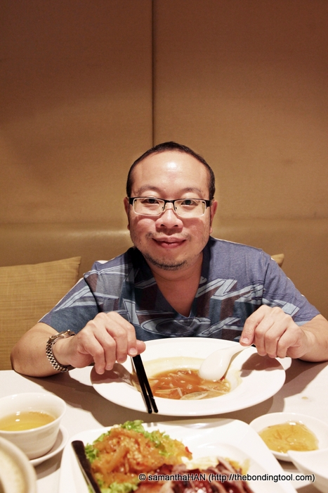 Adrian, my dinner partner for the evening. Both of us share the love for braised sharksfin :)