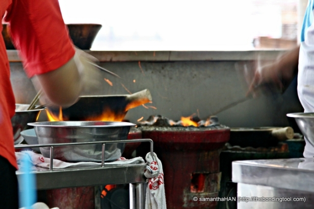 Food items cooked in claypots over charcoals usually equates to deliciousness.
