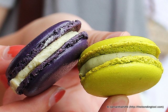 Guess they didn't served Macarons or did they and we'd missed it? Oh well, like Valerie said... There's always room for more dessert! Lavendar and Pistachio.