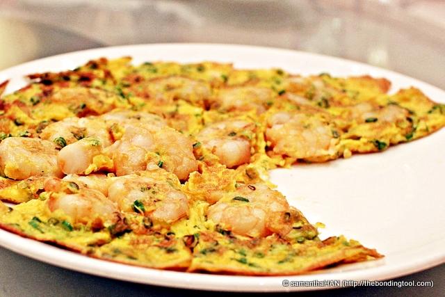 Prawns and Scallion Omelet.
