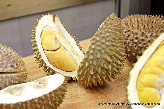 "It is agreed there is no right way to choose a ""good"" durian because individual preferences are different in every region and taste also varies from person to person. A big, strong stem does indicate freshness of the fruit."