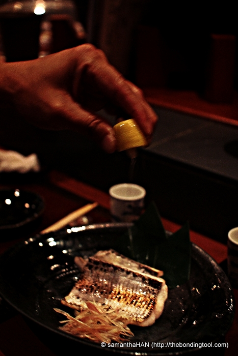With just a squirt of fresh lemon juice, I ate it without any shoyu. Yummy! The natural sweetness of the fish came through.