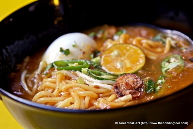 Mee Rebus means boiled noodles in Malay language. The gravy is usually made of potatoes and consists of yellow noodles, beansprouts and hard-boiled egg, garnished with calamansi lime, fried crispy shallots and Chinese celery.