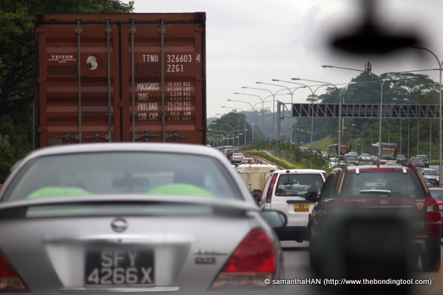Traffic jam on the PIE (Pan Island Expressway) while on my way to meet Tony.