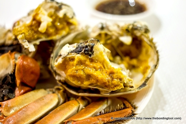 Hairy crab is an autumn delicacy in Shanghai cuisine and eastern China. It is prized for the crab roe.