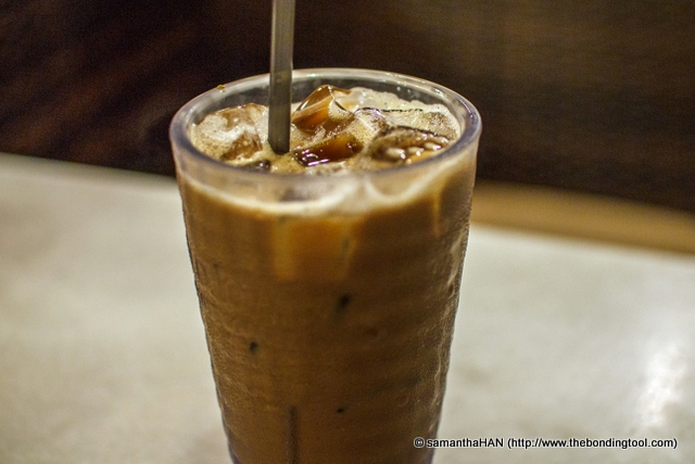 And when one visits Old Town White Coffee, one must order their coffee!