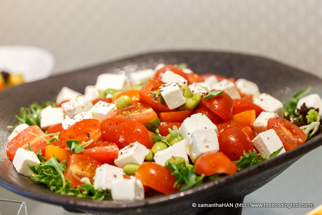 Blanched Fresh Green Beans with Oval Cherry Tomatoes and Feta Cheese. Refreshing on the palette!