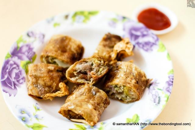 五香 (Ngoh Hiang in Hokkien) or 腐皮卷 (Fu Pei Kuen in Cantonese) is meat roll.<br />I'm a meat eater, remember? I needed meaty proteins so this dish makes up for that :D