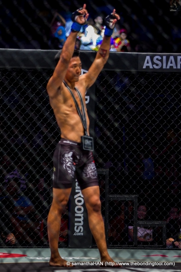 20 year old Gianni Subba defeated Chen Yun Ting in round 1, TKO stoppage (3.03 minutes). TKO - a technical knockout declared by the referee who judges one boxer unable to continue.
