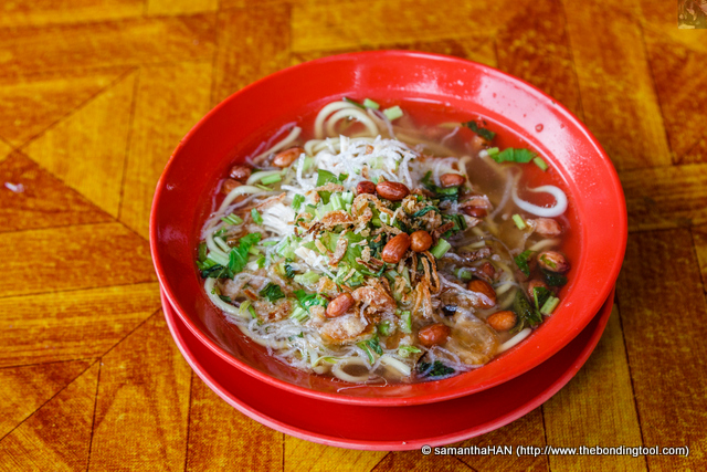 Mee Soto is a Malay cuisine. It is noodles with spicy chicken broth commonly found in Indonesia, Malaysia, and Singapore. This version here is rather different from Singapore.