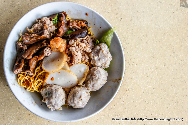 If you like carbs and protein, this dish will not fail you! This is definitely one of my favourite Teochew noodles.