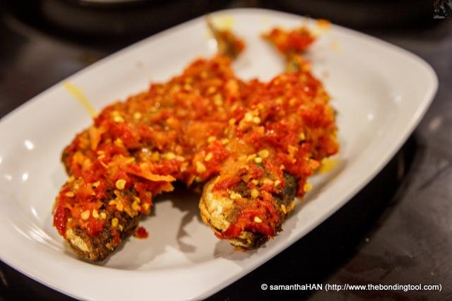 Ikan Kambong Belado Crispy fried Mackerels with Sambal.