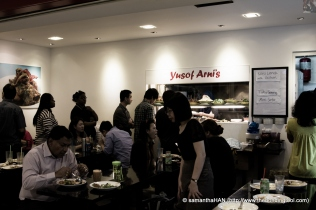 Lunch crowd at Yusof Arni's