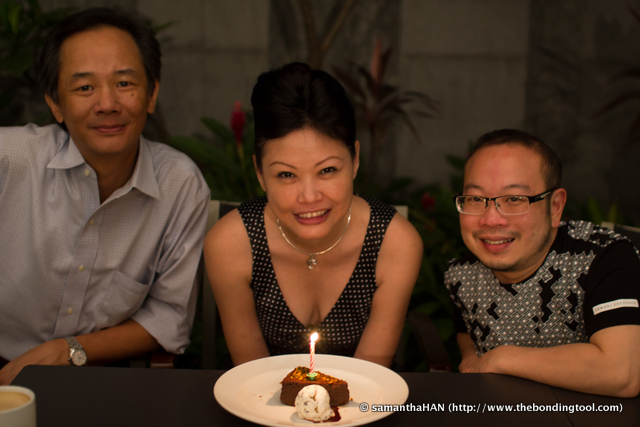 Adrian and Yap have been my friends for a long time now. The hotel gave me a complimentary cake which was a delight but the boys sang me a birthday song, and that takes the cake! lol...