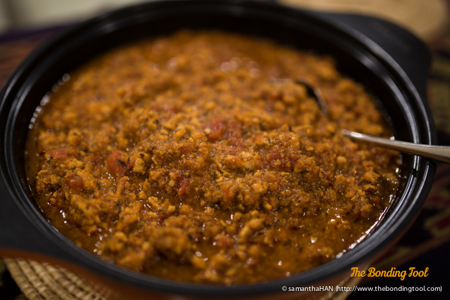 Bolognaise or Bolognese? Whatever it is called, this is delicious! This pot was made with chicken instead of beef.