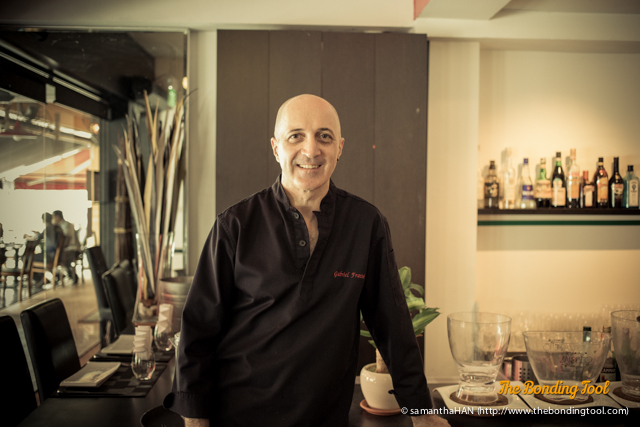 Meet effervescent Chef Fratini, your host at Fratini La Trattoria.<br />Gabriel Fratini, a chef for nearly 40 years, has worked for some of the leading hotels in Singapore, Australia, Jakarta and Italy.