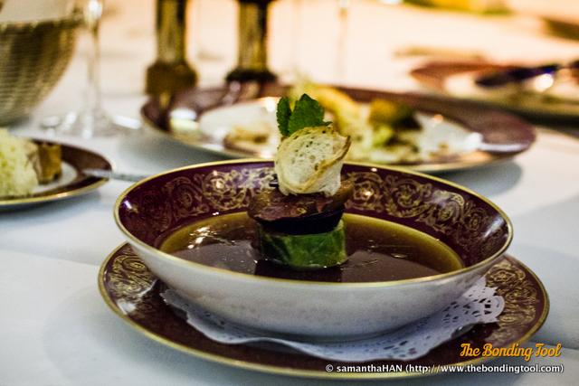 Das Beiras - Um caldo de carnes e enchidos DOP. Meat consommé with Portuguese ham. 葡式肉清湯 葡國火腿. MOP 120.00