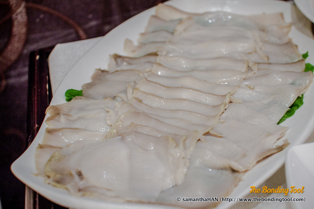 Some foods needed lesser cooking time like the fresh sliced abalone. For me, abalone like these takes 2-3 swishes in the boiling liquid.