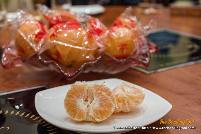 We had fruit platter to round off our literally piping hot meal but since the restaurant knew we were celebrating Reunion Dinner in advance, they gave us Mandarins to conjure up the festive mood!<br />Thank you, King Restaurant.