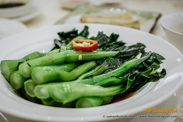 菜心 (Caixin in Mandarin or Choy Sum in Cantonese) is Mustard Greens. This Hong Kong version of Mustard Greens is very different from the types we eat in Singapore where the stems are smaller and longer than the HK version.