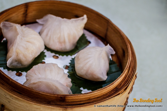 虾饺 (Xiajiao in Mandarin or Har Gow in Cantonese) is whole small or chunky shrimp dumplings.<br />The dough is slightly translucent due to the use of wheaten starch.<br />This item could score higher if the skin was thinner.