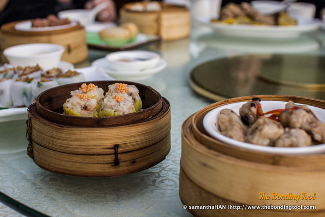 Dim Sum meal is highly recommended when you are in a hurry and want tasting portions of many variety at one go. Dim Sum meal is also recommended when you have plenty of time and want to Yum Cha and catch up with buddies. This was my last meal in Macau before heading off to the airport. I wasn't in a hurry nor did I have plenty of time. My lunch appointment was 1.30pm and I left the restaurant at 2.45pm.