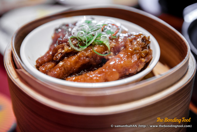 豉汁蒸凤爪. Steamed Chicken Feet with Black Bean Sauce.