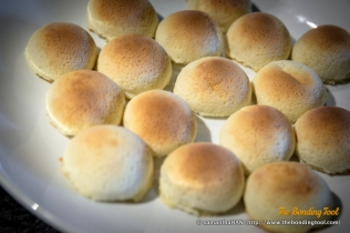 脆皮叉烧包. Baked Barbequed Pork Buns.