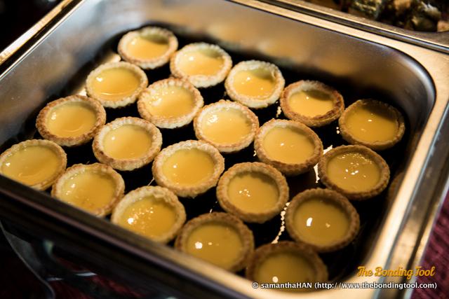 酥皮蛋挞子. Baked Mini Egg Tarts.
