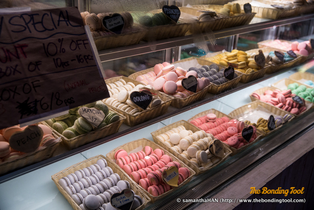 There's about 30 different macaron with flavours  ranging from Classical, Asian and Fusion tastes.