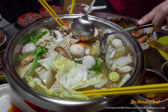 Steamboat or Hotpot is a common Reunion Dinner option as everyone gathered around the table to cook and enjoy the meal.<br />It encourages intimate mingling and communications using food as a bonding tool.