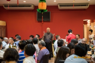 Dr. Tony Lim, one of the Makan Outing organisers, making after dinner speech.