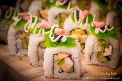 Maki with fish caviar