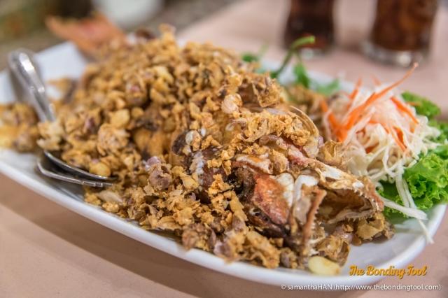 Deep-fried Grouper with Garlic.