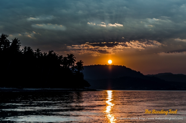The last sunset we enjoyed while cruising towards Laem Hin Pier from Coconut Island.